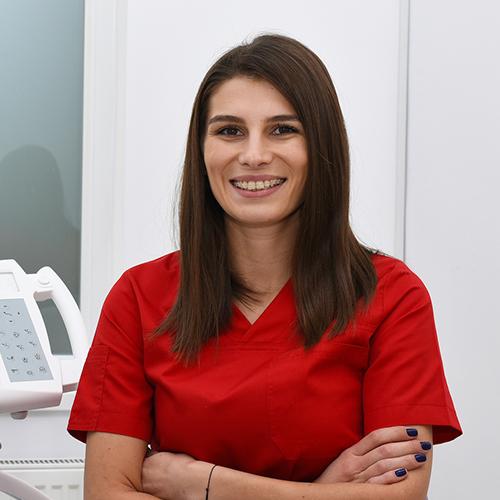 Dr. RADU BIANCA - Medic stomatolog specializare odontoterapie